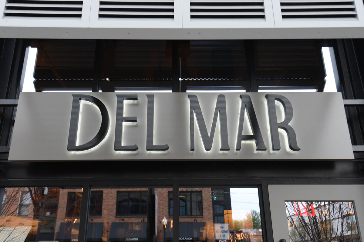 Exterior Sign of Del Mar